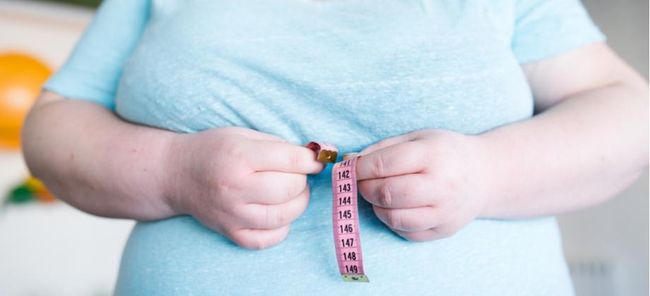 Qual a importância de controlar a ansiedade durante o tratamento contra a obesidade?