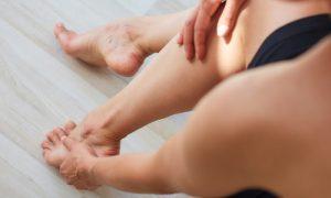 Existem medidas que podem auxiliar o tratamento de pacientes com dor crônica?
