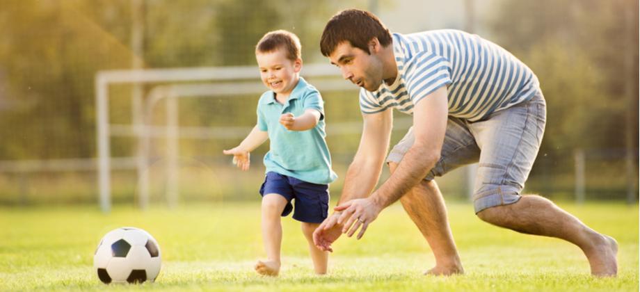 Existem atividades ou brincadeiras que podem ajudar os pais a se conectarem com filhos autistas?