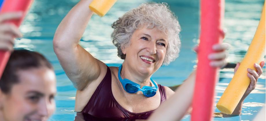 Além da medicação, o que o paciente pode fazer no tratamento da osteoartrite?