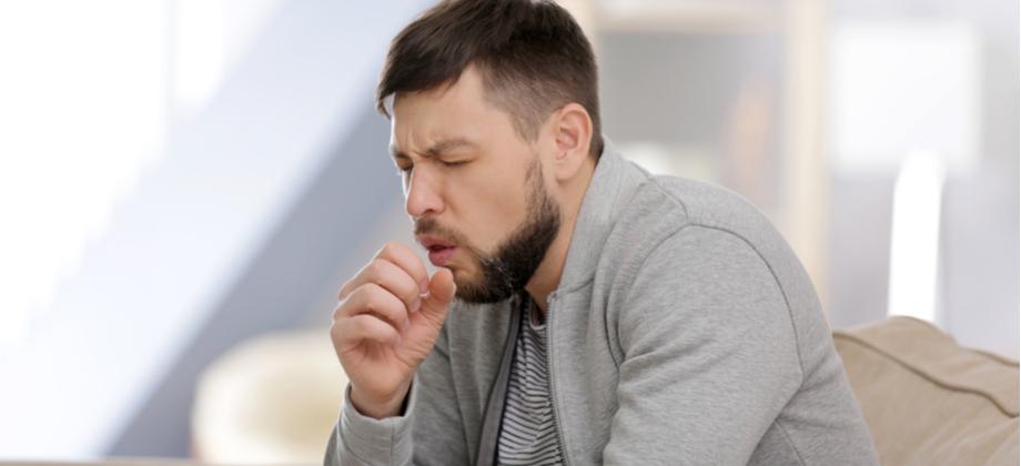 Qual o papel dos corticoides no tratamento de doenças pulmonares como a DPOC?