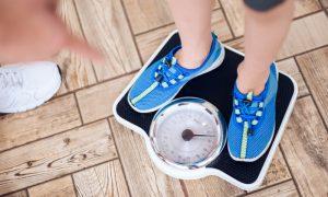 Perder peso ajuda a controlar a pressão alta? Por quê?