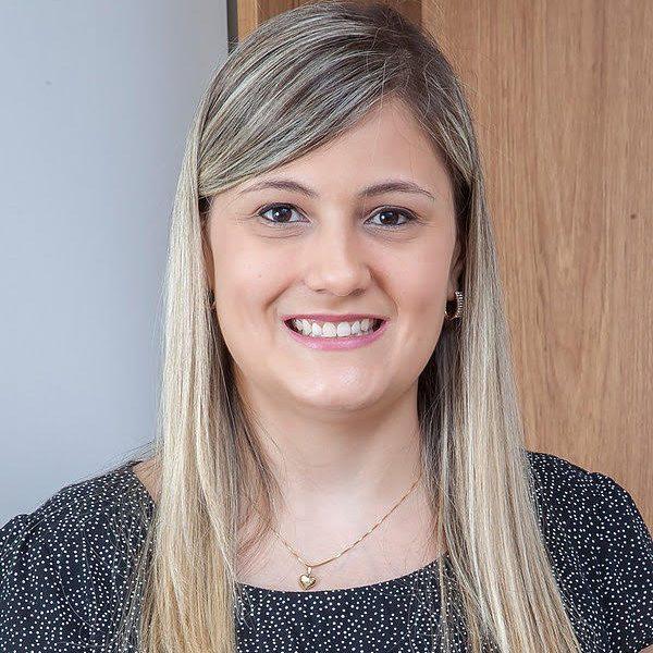 Dra. Ana Caroline Barreto