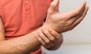 Quais atividades do dia a dia podem agravar a osteoartrite no punho?