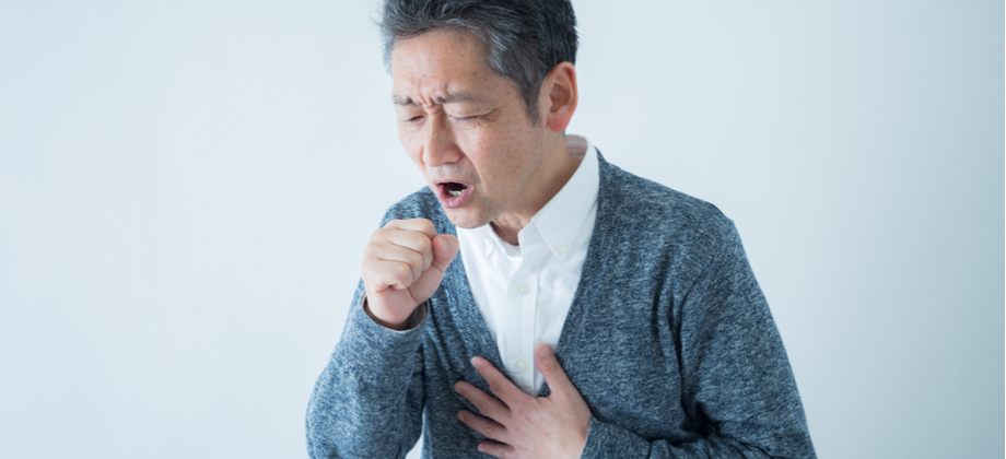 Os sintomas da DPOC podem se intensificar se o tratamento for abandonado? Por que?