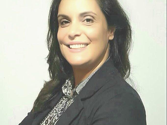 Dra. Célia Mendes