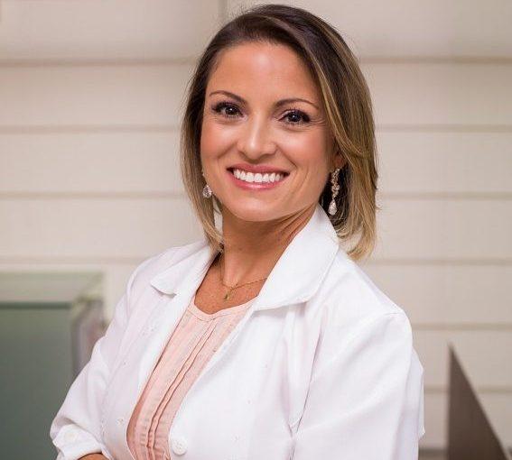 Dra. Raphaella Bristot Silveira