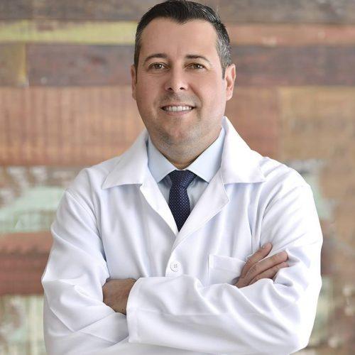 Dr. Gustavo Faria