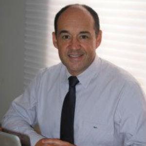 Dr. Celso Cruz