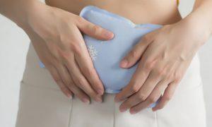Endometriose: por que compressas quentes ajudam a diminuir a dor?