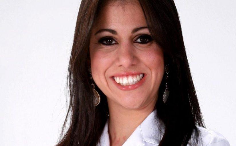 Dra. Isabela Oliveira Farinhaki
