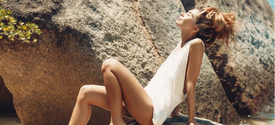 Por que a ação do sol contribui para o envelhecimento da pele?