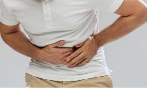 H. Pylori: dor intensa no estômago é um dos sintomas da infecção por essa bactéria