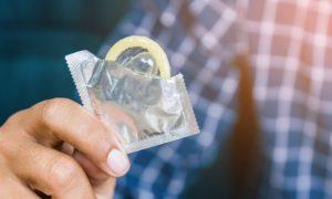 Herpes genital: Como evitar a transmissão da doença para meu parceiro(a)?