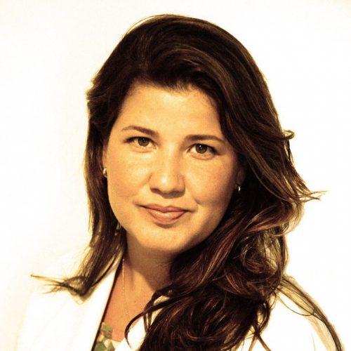 Dra. Bianca Tavares