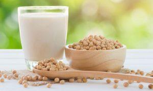 Comer muita soja na infância pode prejudicar o desenvolvimento hormonal?