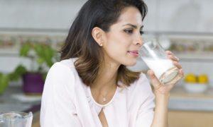 Prevenção da osteoporose: É possível desenvolver a doença mesmo com consumo adequado de cálcio?