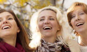 Osteoporose: por que a redução de estrogênio na menopausa é um gatilho para a doença?