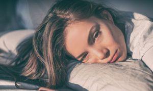 Uma noite mal dormida consiste, necessariamente, em um sono superficial?