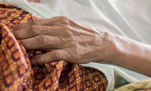 Como evitar fraturas no punho em quadros de osteoporose?