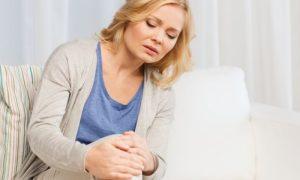 Mulheres com menopausa precoce podem desenvolver osteoporose mais cedo?