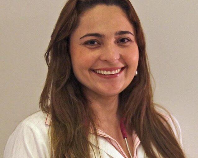 Dra. Fernanda André