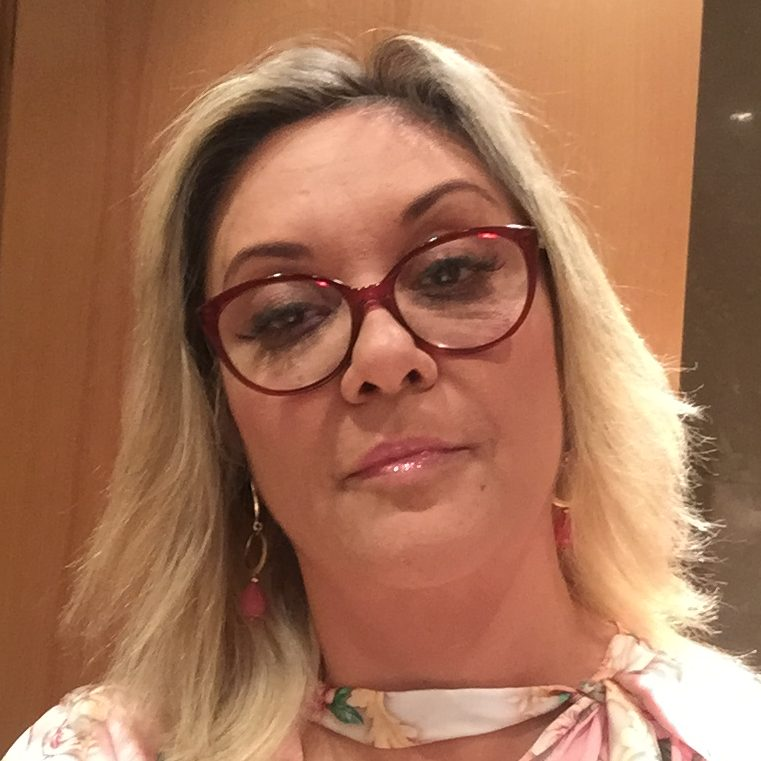 Dra. Christiane Ribeiro