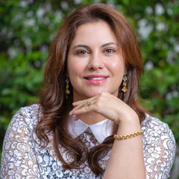 Dra. Elizabeth Senra