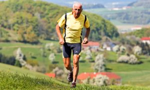 Como a atividade física intensa pode contribuir para o desenvolvimento da osteoartrite?