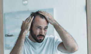 Esquecer de usar o remédio para calvície pode prejudicar o tratamento?