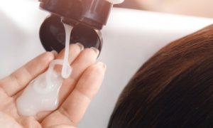 Condicionadores com silicone atrapalham o tratamento da calvície? Por quê?
