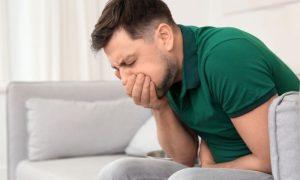 Além da dor, a úlcera estomacal pode causar outros sintomas?