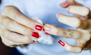 Quais os principais cuidados que devemos ter e situações que devemos evitar com nossas unhas no dia a dia?