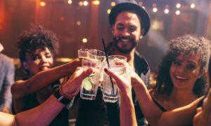Verdade ou mito: Bebidas alcoólicas podem desencadear uma crise de enxaqueca?