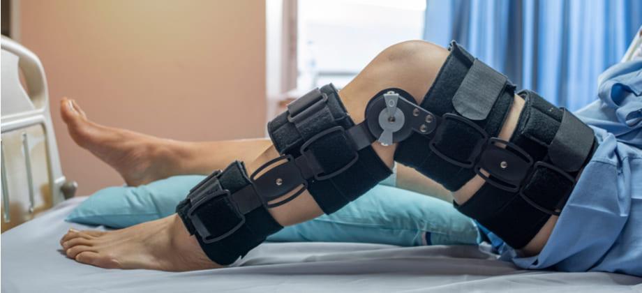 Quais órteses podem ajudar no tratamento da osteoartrite?