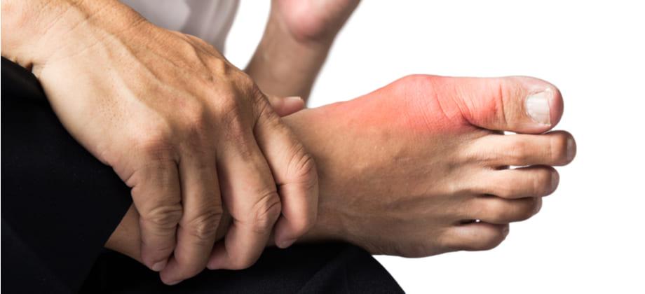 Quais são as causas mais comuns de osteoartrite secundária?