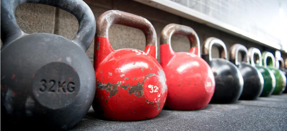 Exercícios com cargas muito pesadas podem piorar um quadro de osteoartrite?