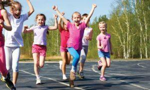 Por que a puberdade precoce pode causar baixa estatura?