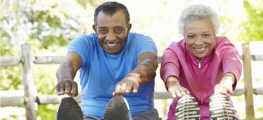 De que forma a atividade física fortalece os ossos?