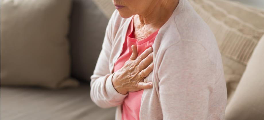A pressão alta sem controle vai causando danos ao organismo aos poucos?
