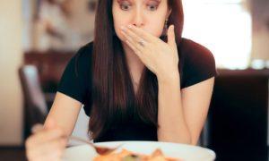 A bactéria H. pylori pode ser transmitida por meio de comidas contaminadas?