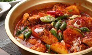 Quem tem úlceras gástricas deve controlar o uso de temperos nas comidas?