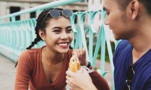 O vírus do herpes pode ser transmitido pela comida compartilhada?