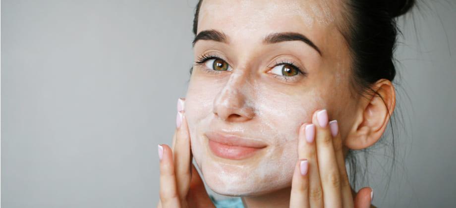 A quarentena pode ser um bom momento para tratar uma pele sensibilizada?