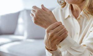 Como um anti-inflamatório de uso crônico age no organismo?