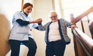 Como a osteoartrite pode prejudicar a movimentação do corpo?