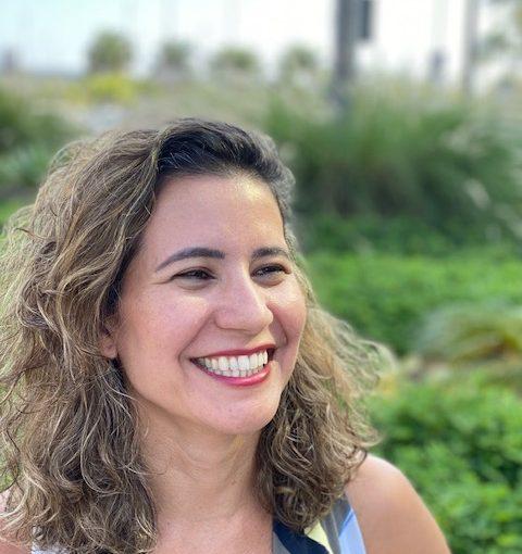 Dra. Fabiane Durão