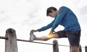 Qual é o papel das vitaminas C e D na saúde das articulações?