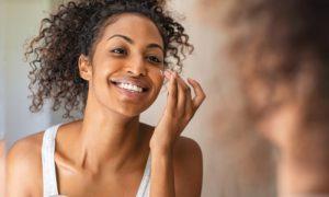 Qual é a diferença entre um hidratante para pele oleosa e um hidratante para pele normal?