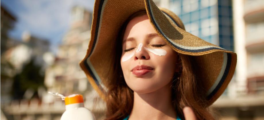 O uso do protetor solar pode ajudar a diminuir a oleosidade da pele?